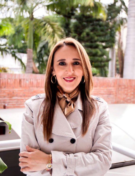 Mónika M.Macías Serpa, Directora Administrativa y Comercial de Galanés; más que una agencia de publicidad en Bucaramanga.