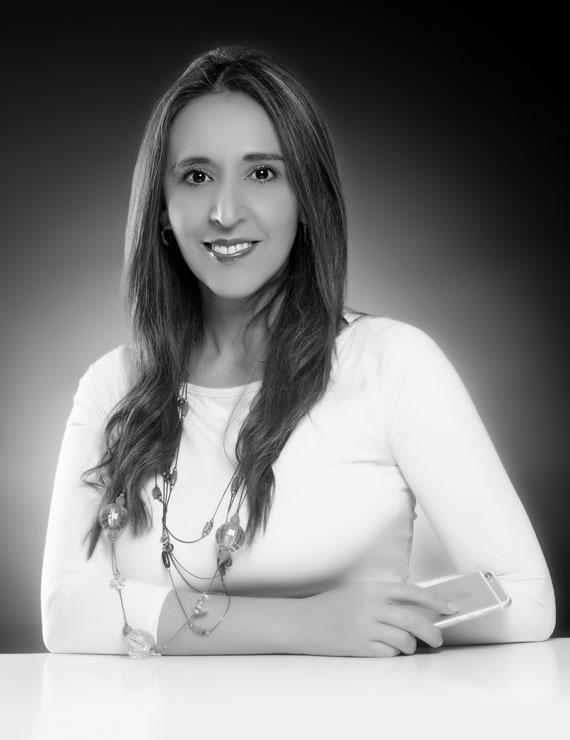 Mónika M. Macías Serpa, Directora Administrativa en Galanés Agencia de Comunicación, más que una agencia de publicidad en Bucaramanga, Colombia.